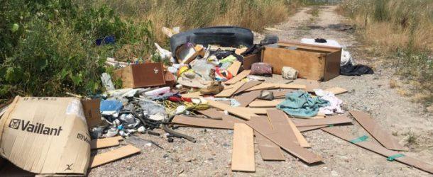 Cascina combatte l'abbandono dei rifiuti