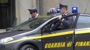 Pontedera: la Guardia di finanza sequestra droga in piazza della stazione, una trentottenne segnalata in Prefettura
