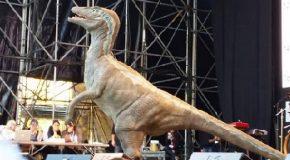"""Un dinosauro VIVO al centro """"Montessori"""" di Fornacette"""