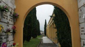 Riprendono le esumazioni al cimitero di Calcinaia
