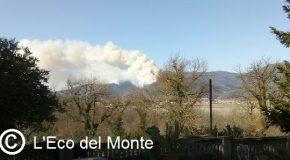 Aggiornamento incendio sul Monte Pisano. Le persone evacuate rientrano a casa, chiuso il centro operativo comunale