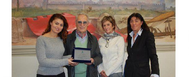 Targa ad Antonio Nesti per i 50 anni di attività
