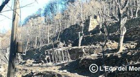 Incubo  senza fine, il monte Serra brucia ancora, stavolta sul versante lucchese