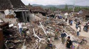 Terremoto in Indonesia, paradiso del turismo. Si temono decine e decine di vittime