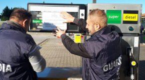 """Operazione """"GIRASOLIO"""" – Sequestrato il distributore sull'Aurelia e denunciati i gestori: miscelavano il gasolio con olio di girasole"""