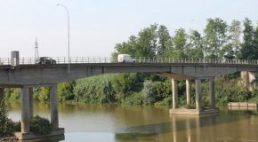 Sul ponte di via Giovanni XXIII a presto i varchi per la  ZTL che vieta i transito ai veicoli di lunghezza superiore ai 7,5 metri
