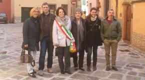 CALCINAIA: LA PAVIMENTAZIONE ORIGINALE DI VIA PALESTRO RIVEDE LA LUCE DOPO PIU' DI 60 ANNI (GIACEVA SOTTO 10 CM. DI BITUME).