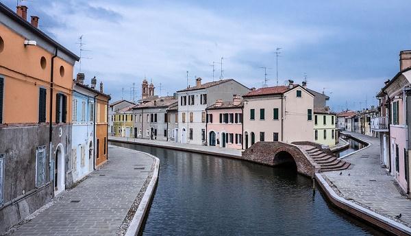 I canali del centro storico di Comacchio (Vanni Lazzari)