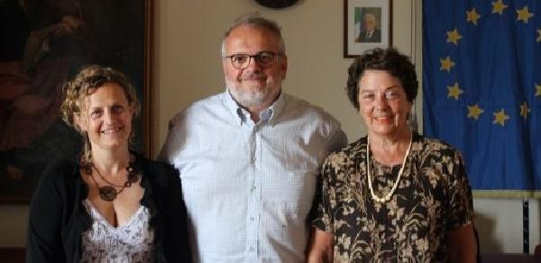 Il sindaco di Capannoli Arianna Cecchini con i colleghi Corrado Guidi (Bientina) e Lucia Ciampi (Calcinaia) durante una recente conferenza stampa dell'Unione Valdera