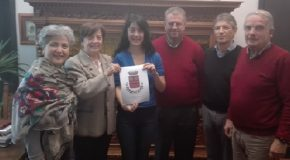 Riconoscimento pubblico a Stefania Gori da Fornacette a Cincinnati (USA) per insegnare fisica agli americani