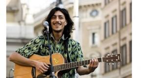 SANDRO JOYEUX ARRIVA A VICOPISANO, E PRIMA DEL CONCERTO APERISTRADA AL CIRCOLO ORTACCIO