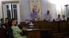 """VICOPISANO – Due ore mezzo di Consiglio Comunale """"aperto"""", tante le domande cittadini, due sole risposte…"""