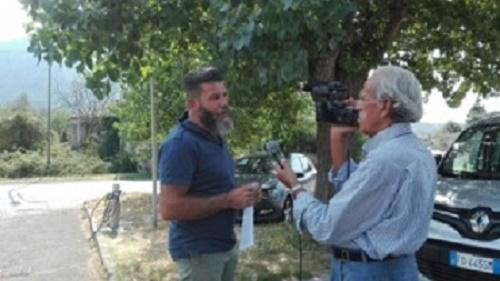 Paolo Lazzerini intervistato dall'inviato di 50 canale