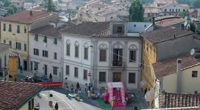 CALCINAIA, CONSEGNA DELLA COSTITUZIONE ITALIANA AI RAGAZZI DI 18 ANNI