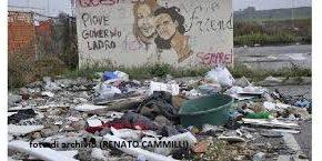 A CALCINAIA PROVVEDIMENTI ESEMPLARI PER CHI ABBANDONA RIFIUTI IN STRADA. IN ARRIVO LA STANGATA PER GLI INCIVILI COLTI SUL FATTO !!!