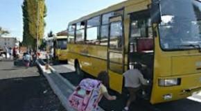 """Lo Scuolabus non è più """"cattivo"""". I genitori hanno pagato. I bambini possono montare"""